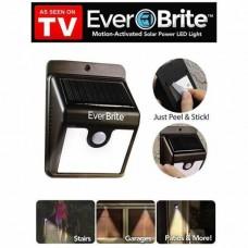 Ночник на солнечной батарее с датчиком движения Ever Brite  оптом